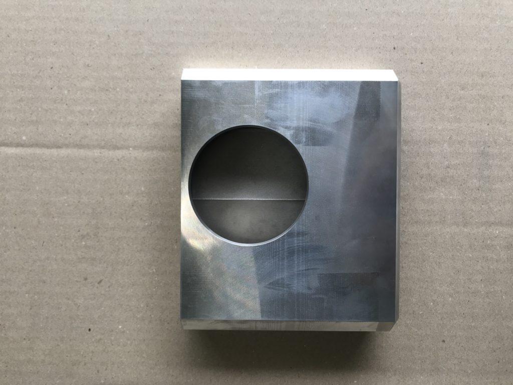 アルミ 15x160異形長穴 高さ150Hワイヤー加工 / 栃木県さくら市