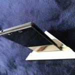 金属加工会社オリジナル「スマホ・タブレットスタンド」